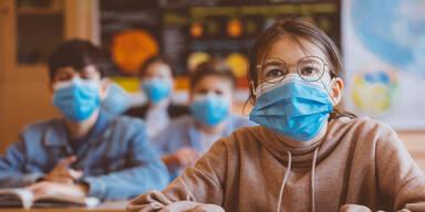 Lehrerin verweigert Schutzmaske: Fristlose Kündigung!