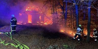 Flammen zerstören steirisches Wahrzeichen