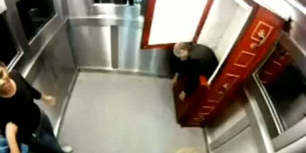 Aufzug-Horror: Leiche fällt aus dem Sarg