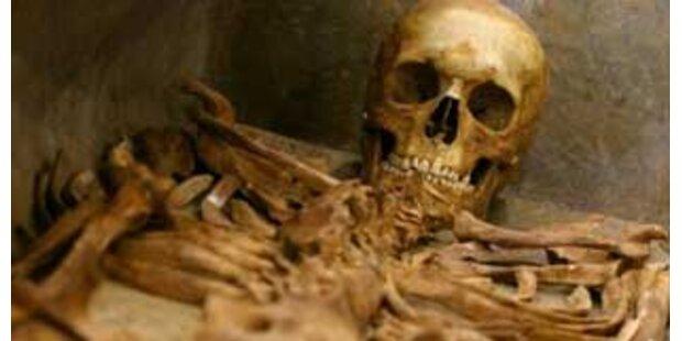Leiche im Schrank der toten Mutter entdeckt