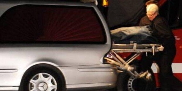 77-jährige Fußgängerin von Auto erfasst - tot
