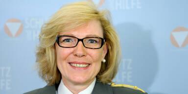 Andrea Leitgeb: Unsere erste Frau General