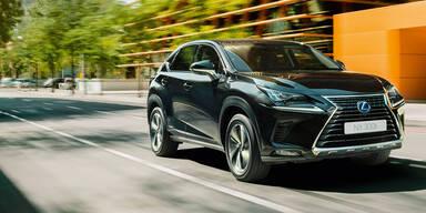 Lexus zündet Sondermodell-Feuerwerk
