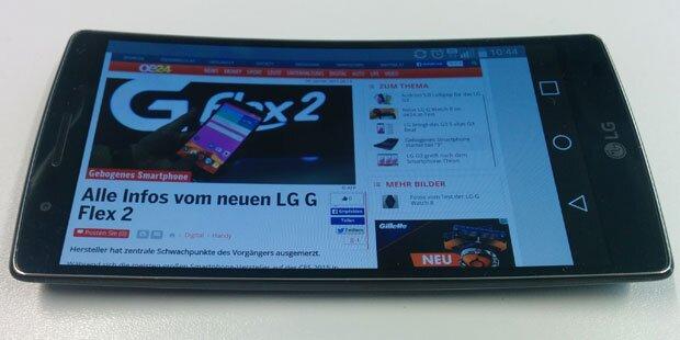 Gebogenes Smartphone im oe24-Test