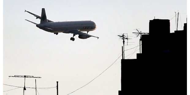14-Jährige gebar totes Baby im Flugzeug