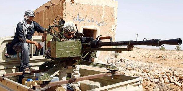 Libyen: Rebellen stehen 75 km vor Tripolis