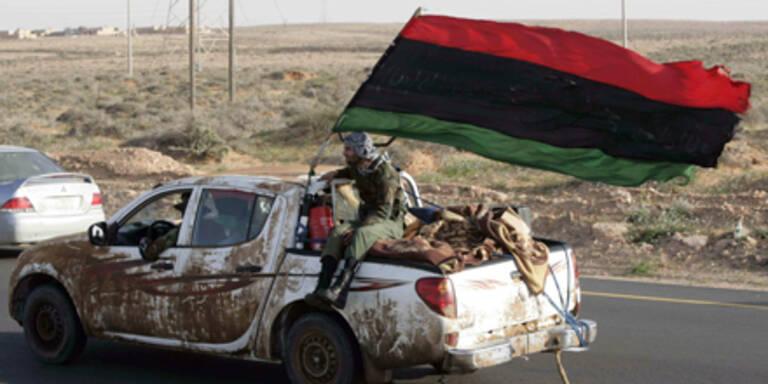 Gaddafi-Truppen erobern Ölhafen zurück
