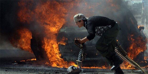 Gaddafi-Getreue greifen Öl-Raffinerie an