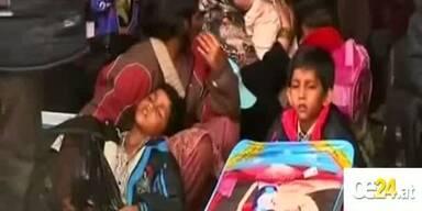 Sprung von Fähre. 3 Flüchtlinge tot.