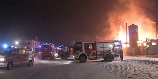 Großbrand bei Holzmarkt in Liezen