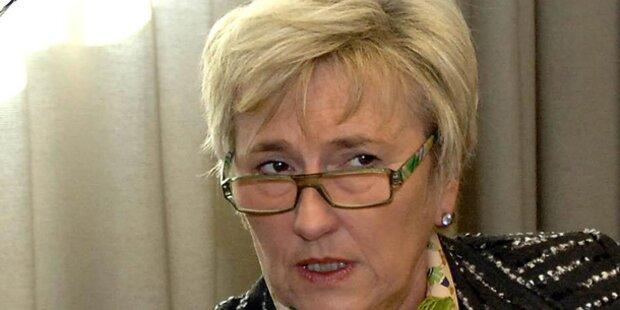 Monika Lindner fehlt im Nationalrat - verzichtet sie auf Mandat ?