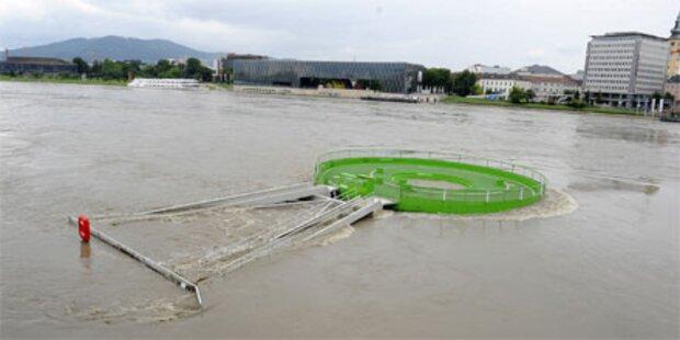 Hochwasser: Linzer Auge schwimmt davon