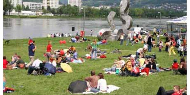 Riesenfest im Zeichen von Linz09