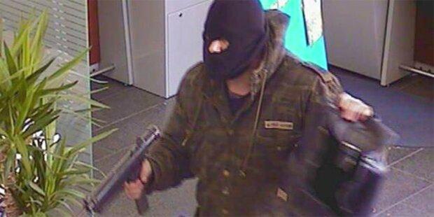 Bewaffneter Bankräuber geflüchtet