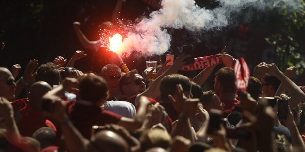 Mega-Ansturm von Liverpool- Fans