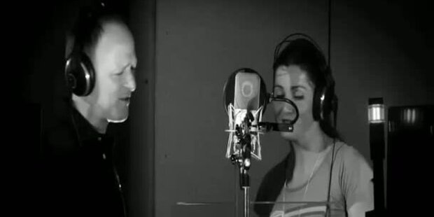 Liz Görgl singt den WM-Song