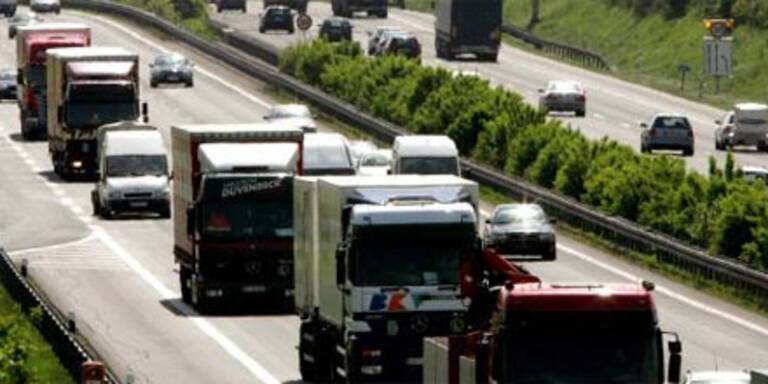 OÖ und Salzburg bremsen Transit-Lkw