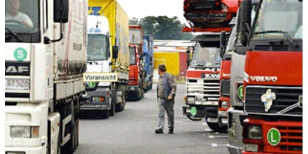 Tiroler Berufs-Lkw-Fahrer hatte nie einen Führerschein