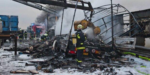 LKW auf der A25 ausgebrannt