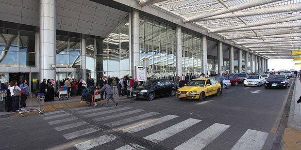 Trump-Dekret: Flüchtlinge sitzen an Flughäfen fest