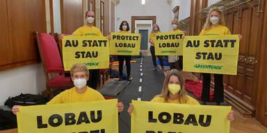 Greenpeace seit 24 Stunden im Wiener Rathaus