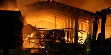 Großbrand zerstört Sägewerk in Lofer