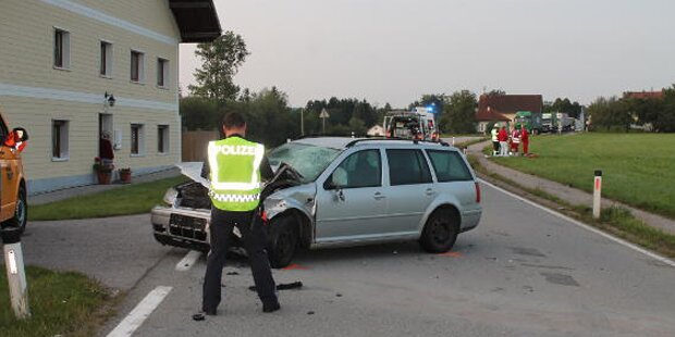 Mopedfahrer (16) von Pkw gerammt - tot