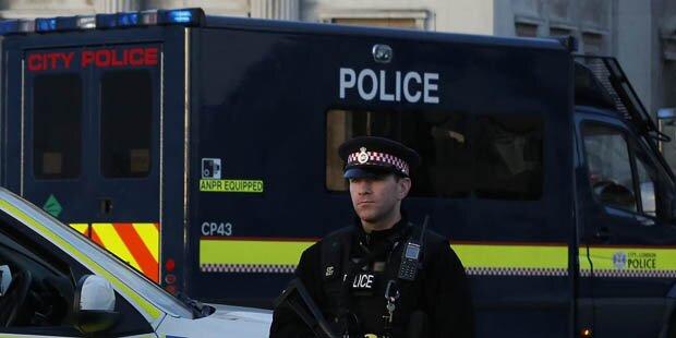 18-Jährige auf London-Flughafen festgenommen