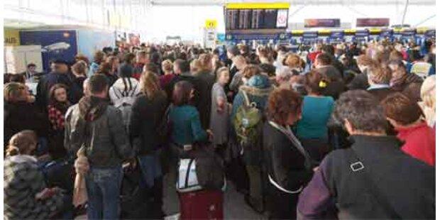 Klimaschützer legten Londoner Flughafen lahm