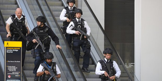 Polizisten gaben 50 Schüsse auf die Angreifer ab