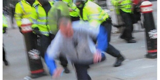 Prügelnder Polizist suspendiert