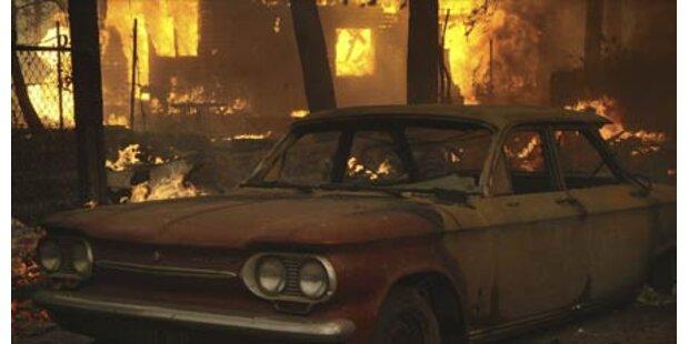 Waldbrand bei L.A. außer Kontrolle