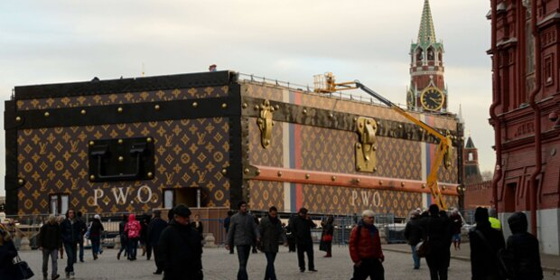 Mega-Louis-Vuitton-Koffer sorft für Furore