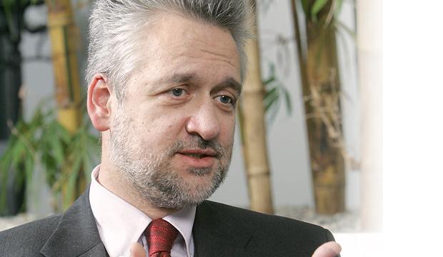 W. Louzek