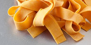 So einfach gelingt Low-Carb-Pasta mit nur zwei Zutaten