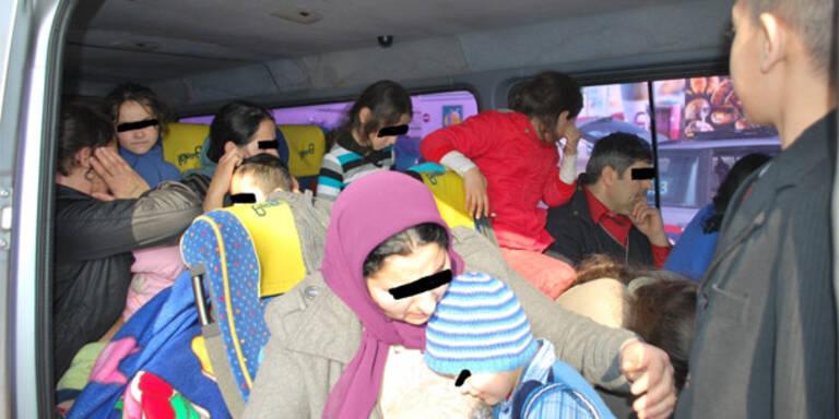 42 Personen in Kleinbus unterwegs
