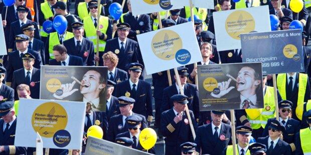 Lufthansa: Flugbegleiter drohen mit Streik