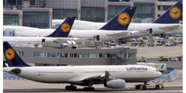 Lufthansa-Jet zwischengelandet - drei Verletzte