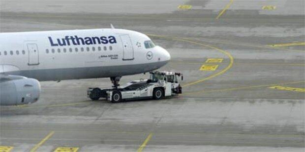 Flugzeug kehrt wegen Rauchalarm um