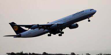 Rauch im Cockpit: Lufthansa-Jet muss notlanden