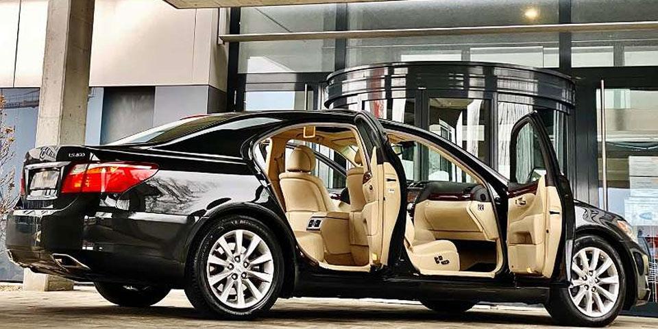 lugner-limousine-willhaben1.jpg