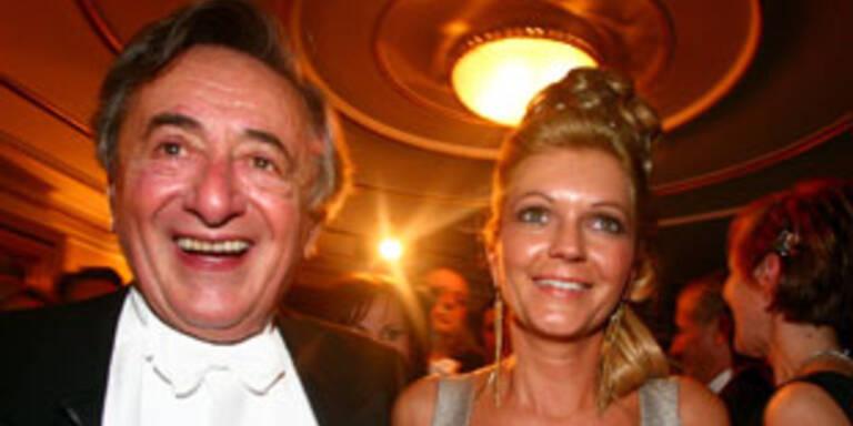 Richard Lugner mit seiner aktuellen Partnerin Bettina.