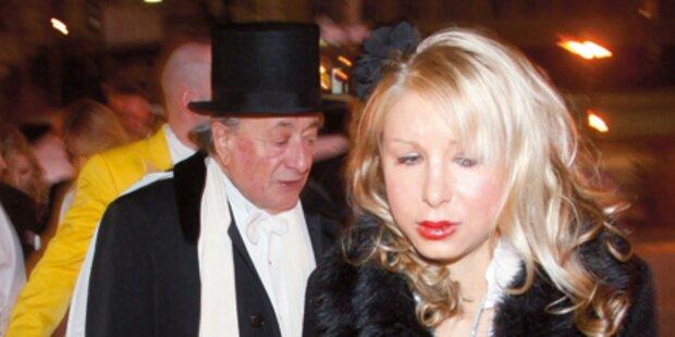 VIP-Rummel bei Grazer Opernredoute