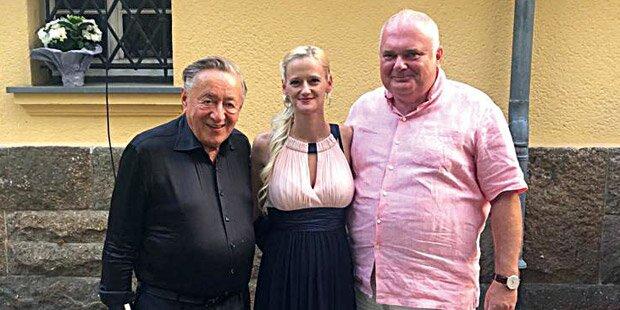 Lugner feiert mit Putin-Freund