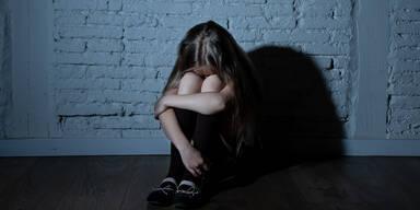 Mädchen (11) von drei Männern vergewaltigt