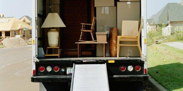 Keine Wohnung: Paar klaute Möbelhaus-Transporter
