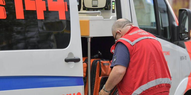 Mehrere verletzte Fußgänger nach Verkehrsunfällen
