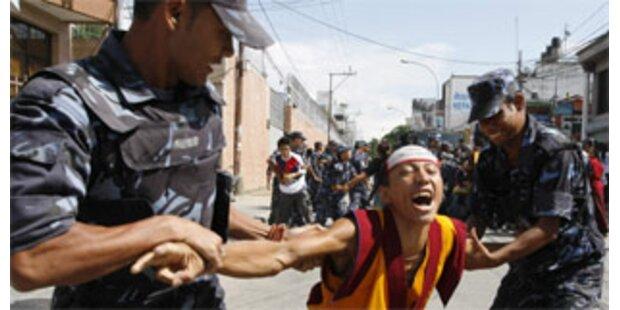 Nepalesische Polizei stoppt Protestmarsch