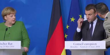 Hier erfährt Macron, dass der Geiselnehmer tot ist
