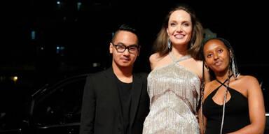 """Angelina Jolie mit ihren Kindern Maddox und Zahara bei der """"Maleficent""""-Premiere"""